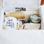 {Giveaway} Mommy Mailbox: a monthly subscription box just for MOMS!  *Sponsored post*